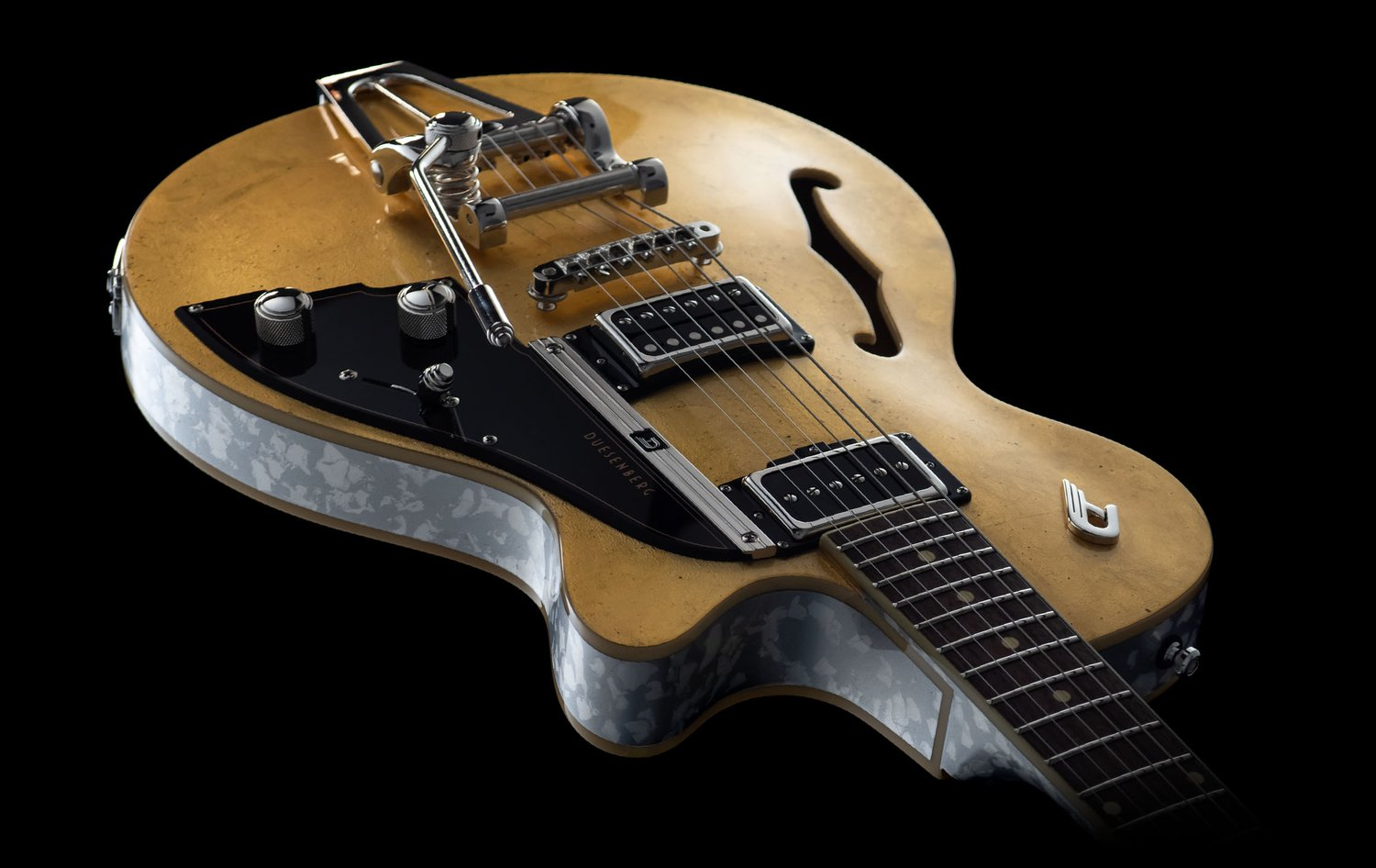 Body view of the  Duesenberg Starplayer TV 25th Anniversary Gold Leaf