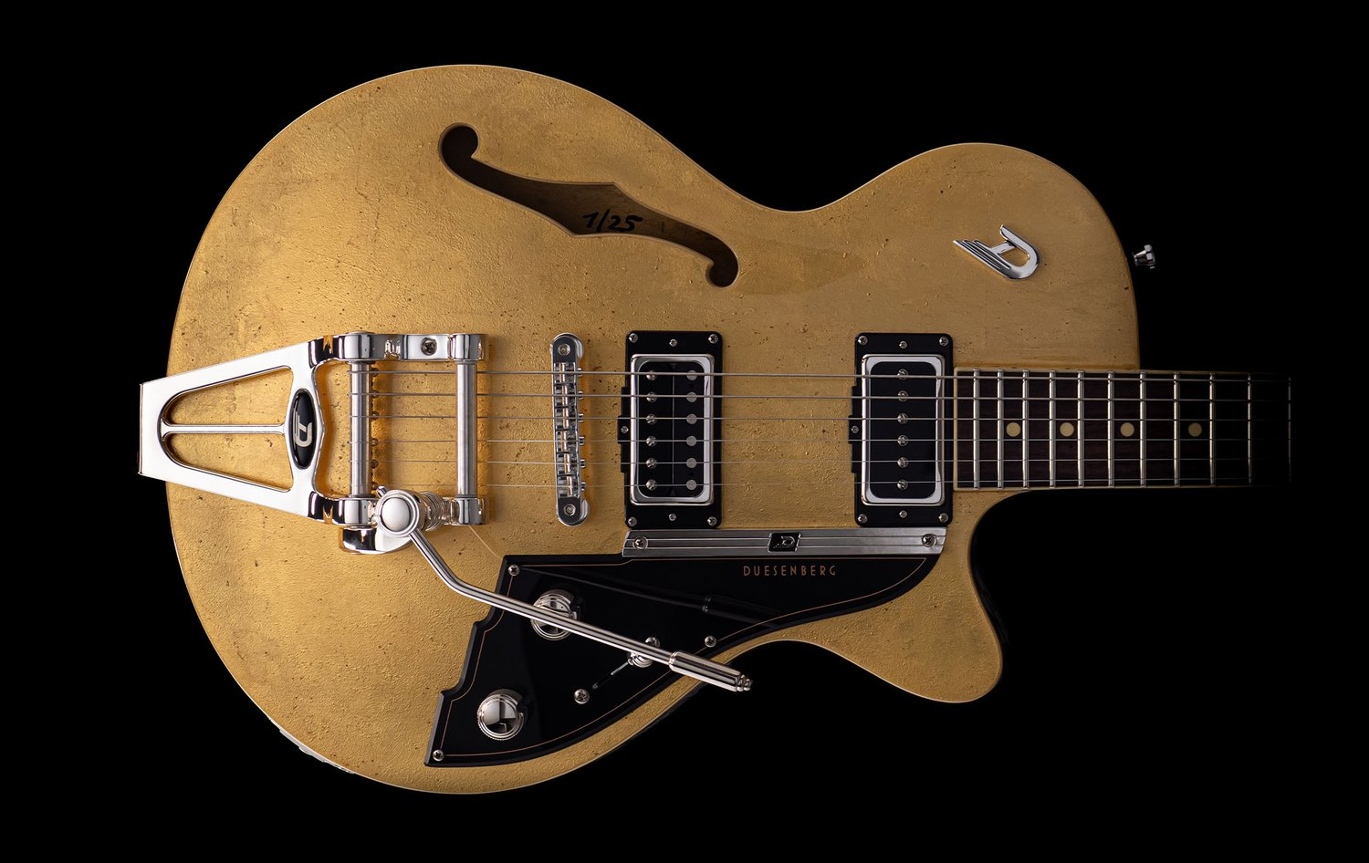 Body shot of the Duesenberg Starplayer TV 25th Anniversary Gold Leaf