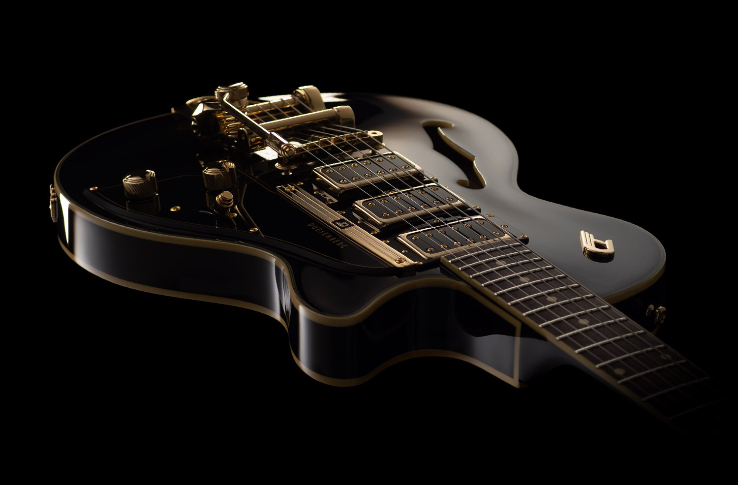 Duesenberg Guitars Starplayer TV Custom Angled view